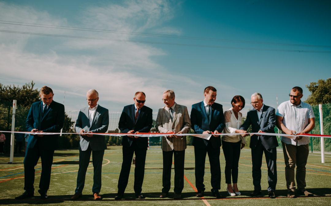 Otwarcie boiska wielofunkcyjnego wraz z siłownią zewnętrzną w Łabiszynie